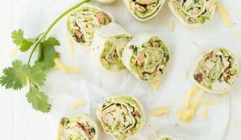 Esta receta puede cumplir una doble función: como aperitivo para una fiesta o un almuerzo fácil de llevar. Sin importar cómo decidas servirlo. Es fácil y rápido de preparar. ¿Cómo puede ser posible una receta así de versatil?